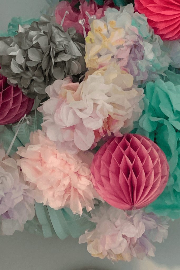 Pompoms - DIY kids room projects