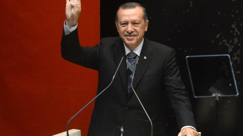 Türkei wird eigenständiger  PKW-Hersteller: Erdoğan stellt E-Auto TOGG vor
