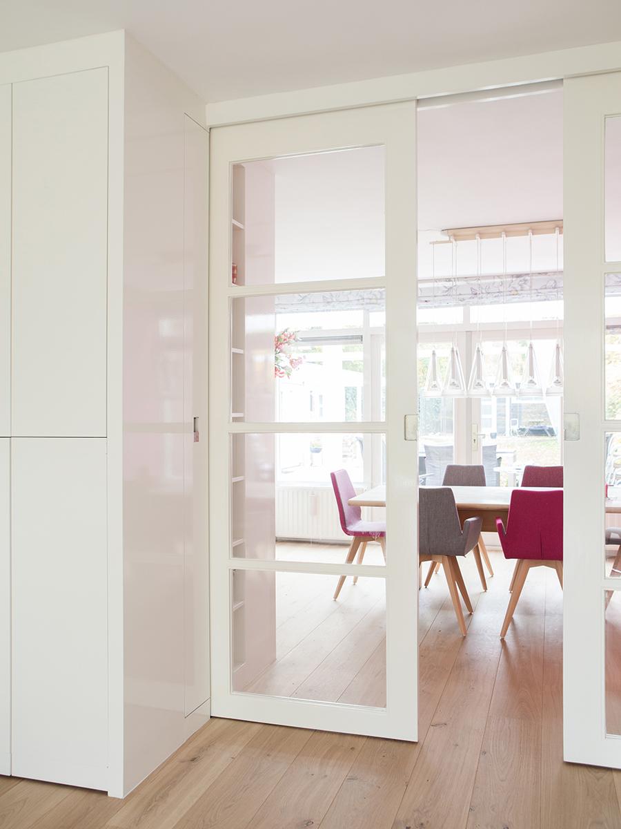 Kamer en suite RAL greeploos inbouwkast  Te Boveldt