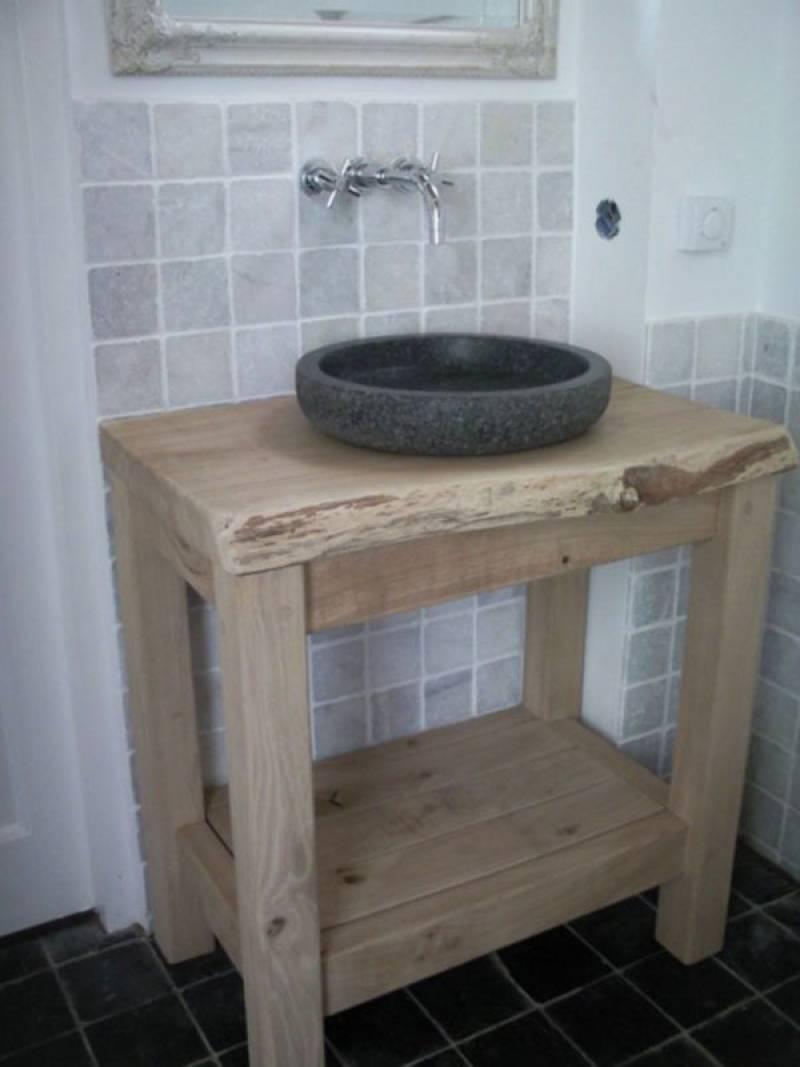 Badkamermeubel eikenhout schorsrand natuursteen  Te