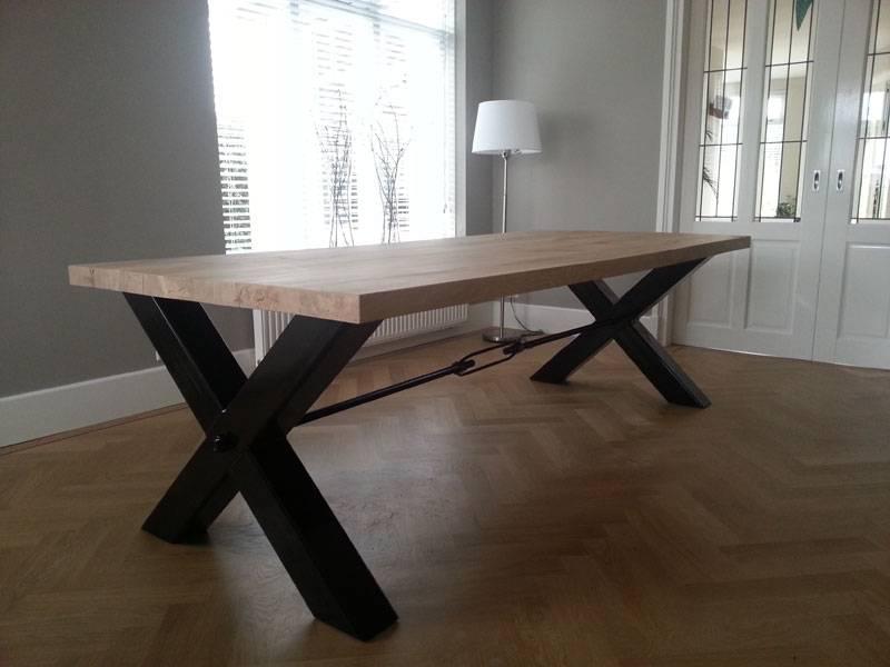 Eettafel x poot zwart staal eikenhout  Te Boveldt