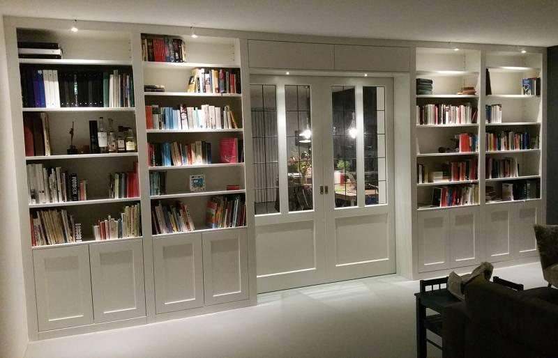 Kamer en suite RAL zijdeglans boekenkast  Te Boveldt