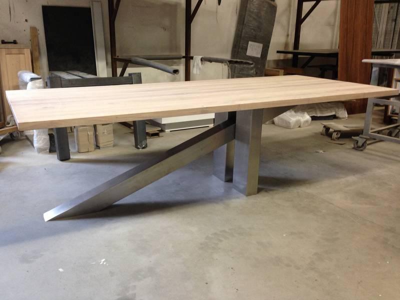 Springplank tafel eikenhout RVS onderstel  Te Boveldt
