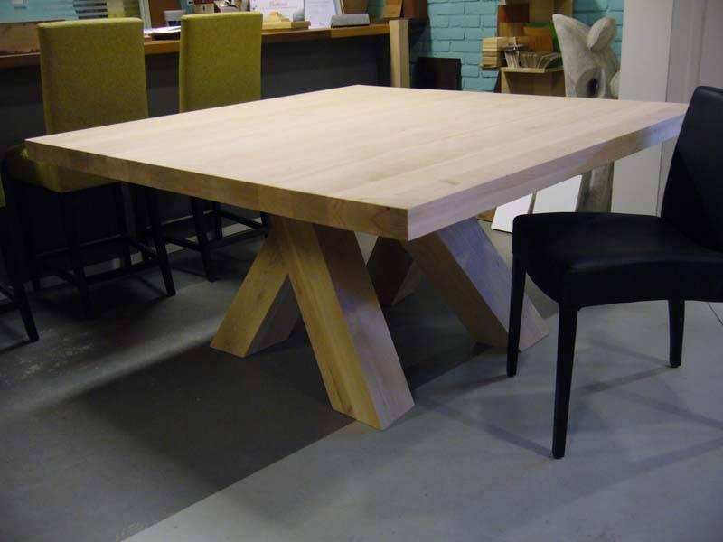 Vierkante tafel  Te Boveldt Meubelmakerij  Interieurbouw