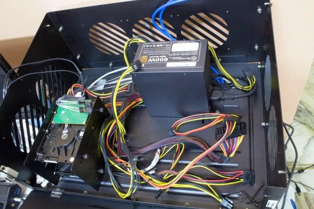Unboxing & Overview: FSP Aurum 600W and Aurum CM 650W 93