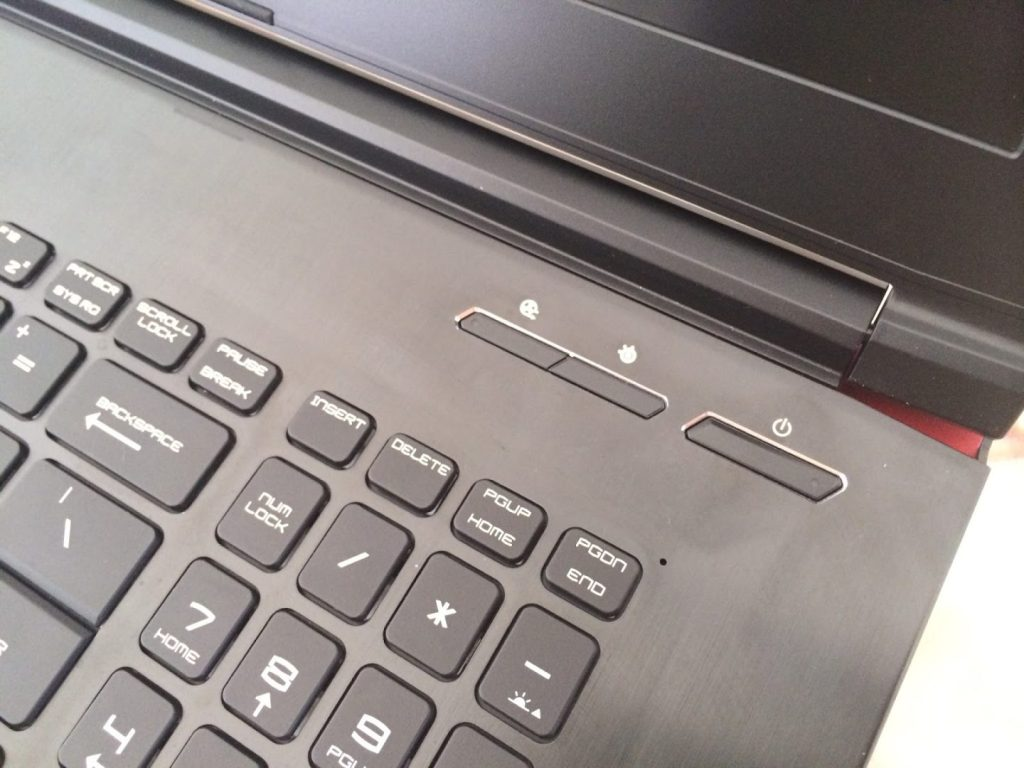 MSI Gaming GE72 2QE Apache Gaming Notebook Review 14