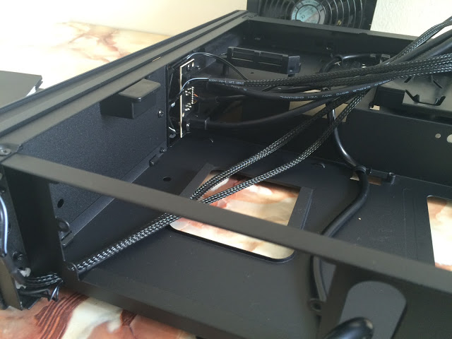 Unboxing & Review: SilverStone Raven Series RVZ02 Mini ITX Chassis 69