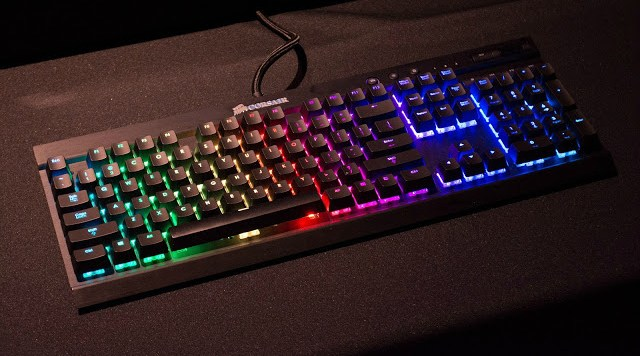 Unboxing & Review: Corsair Gaming K70 Cherry MX RGB Mechanical Gaming Keyboard 75