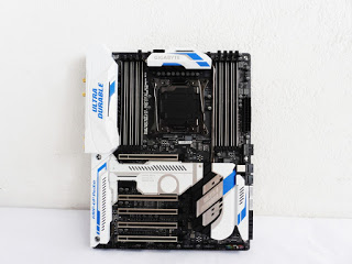 Unboxing & Review: Gigabyte X99 Designare EX Motherboard 88