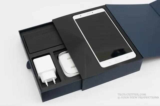 Unboxing & Review: ASUS ZenFone 3 Ultra 4