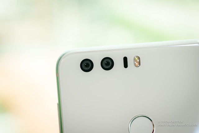 Get vision 20/20 with Honor 8's dual-lens camera 11