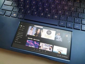 ASUS ZenBook - 06
