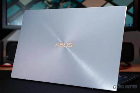 ASUS ZenBook 14 UM431D - 00012