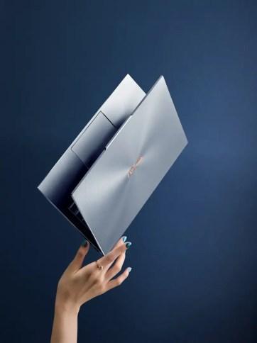 CES2019 ASUS ZenBook S13 UX392 - 06