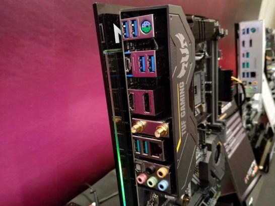 TUF Gaming X570-Plus WiFi - 02