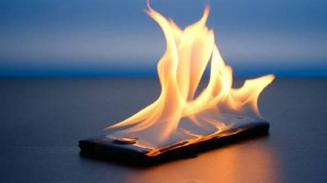 BadPower Attack : هجوم يخترق ميزة الشحن السريع يمكن ان يؤدي الي إحتراق هاتفك
