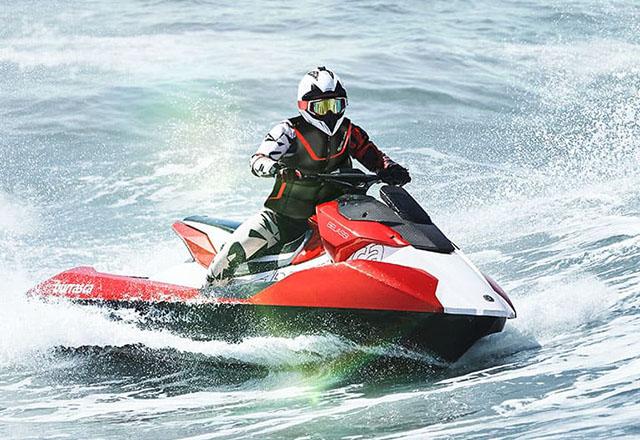 """""""Hiperplovilo"""" u vidu vodenog skutera je kao supermotocikl za more"""