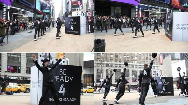 xl_Galaxy S4 NY flash mob