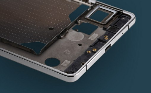 Oppo-R5---the-thinnest-phone-in-the-world (1)