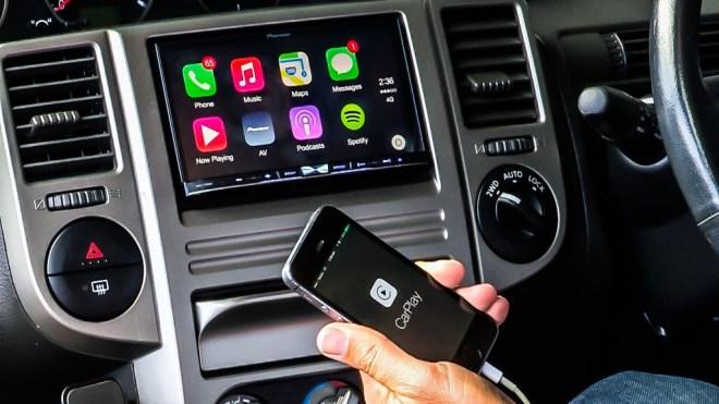 Apple-CarPlay-by-Pioneer-hero1