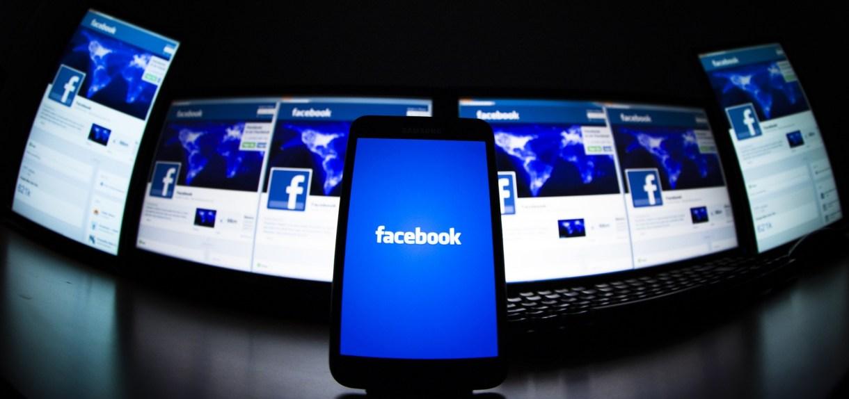 فيسبوك تختبر ميزة عرض الشرائح في تطبيقها على أندرويد