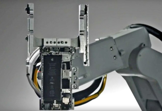 apple-liam-iphone-recycling-robot-5-889x610