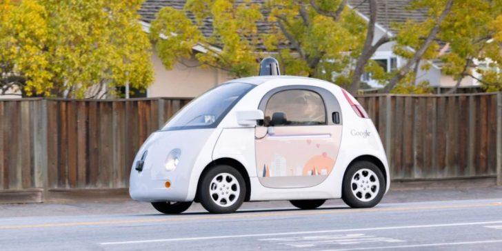 سيارة قوقل ذاتية القيادة