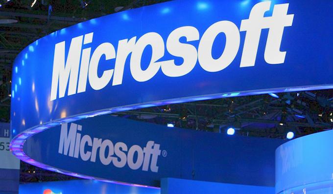 قيمة مايكروسوفت السوقية تتخطي أبل لتصبح أغلى شركة بالعالم