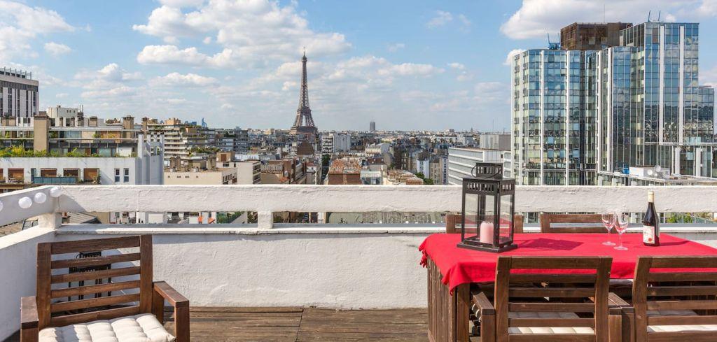باريس - فرنسا تقاضي Airbnb بسبب نشر أماكن مخالفة لقوانين الإيجار