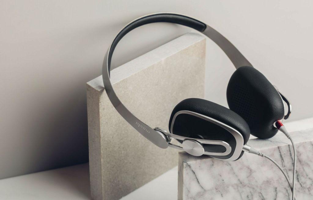 مراجعة: سماعات Moshi Avanti-C الفاخرة التي تستخدم منفذ USB-C الرقمي