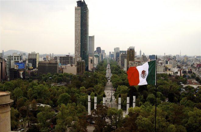 كبرى شركات تصنيع الهواتف الذكية في الصين تفكر بافتتاح مصانع في المكسيك - Mexico City