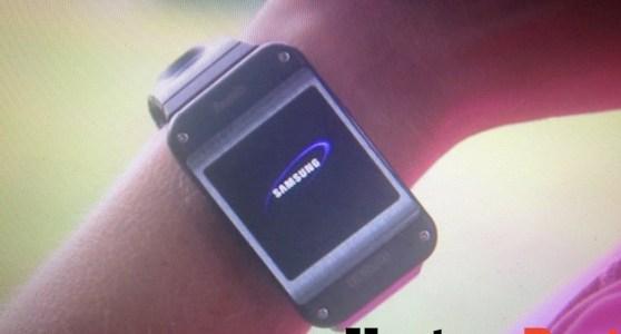 Hier is hij dan, de Samsung Galaxy Gear smartwatch - 01