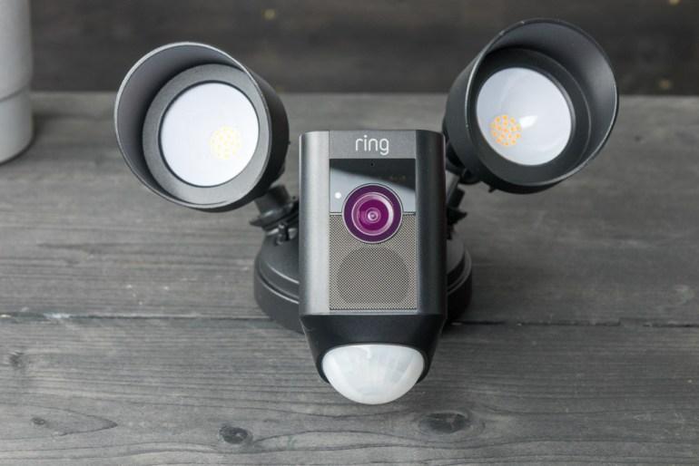 Ring Floodlight Cam tech365nl 003