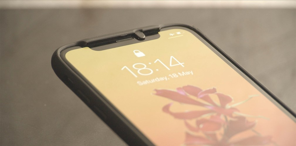 iPhone Privacy Case - Lifestyle 4