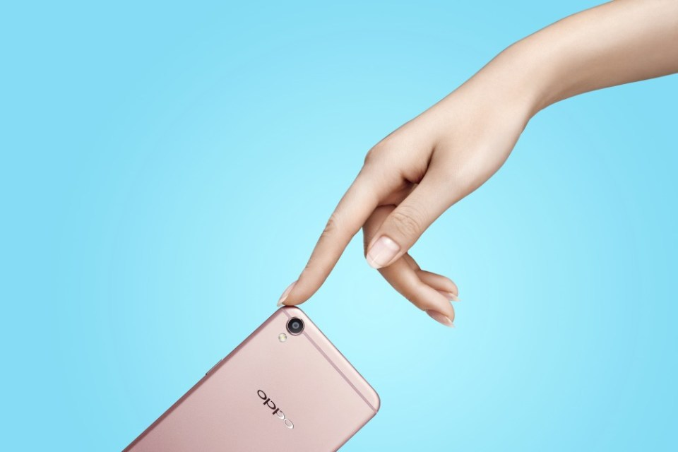 Pre-order OPPO F1 Plus Only RM 1 & Free Selfie Stick