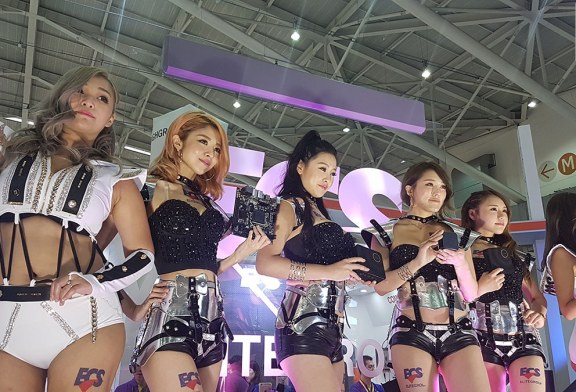 How ECS Showgirls Attract An Audience At Computex 2017