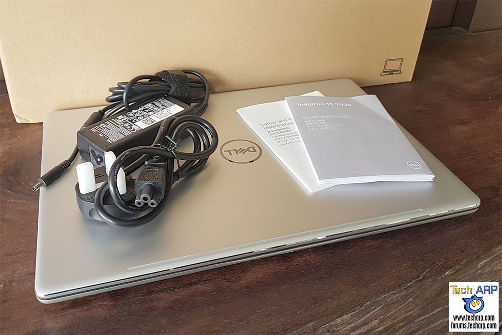 Dell Inspiron 15 7000 box contents