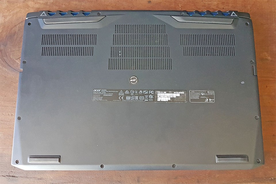 Acer Predator Triton 700 base