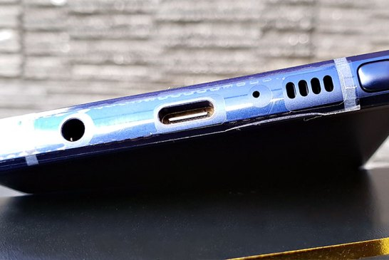 Samsung Galaxy Note9 bottom