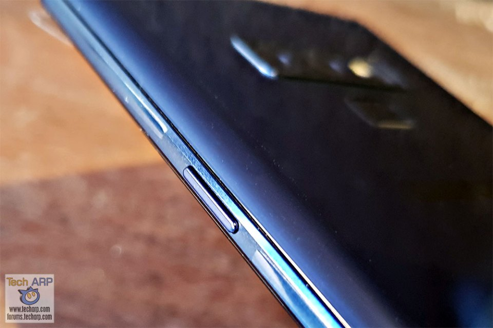 Samsung Galaxy Note9 right button