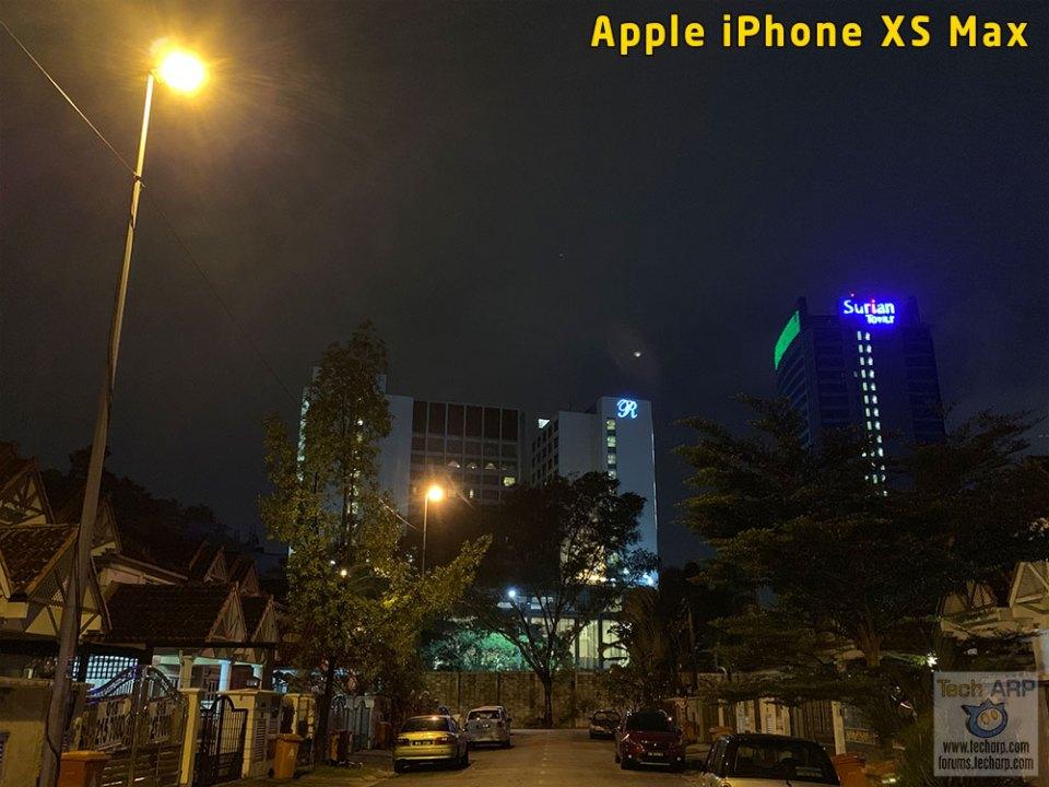 Apple iPhone XS vs Samsung Galaxy Note9 Low Light Performance photo - iPhone XS