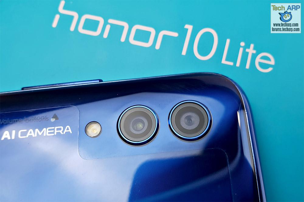 HONOR 10 Lite rear cameras