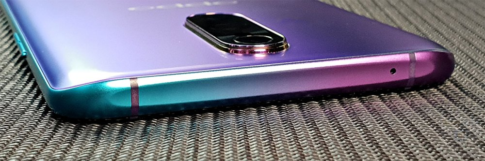 OPPO R17 Pro microphone port