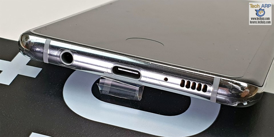 Samsung Galaxy S10 Plus bottom