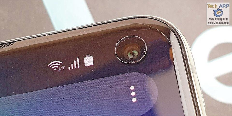Samsung Galaxy S10e front camera