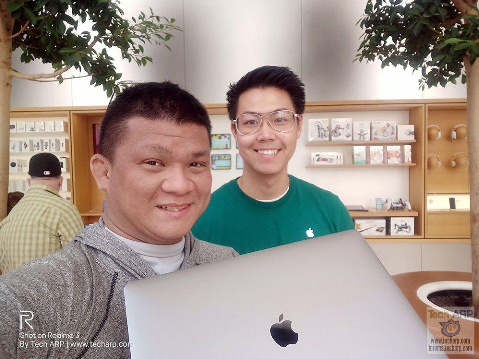 Realme 3 Selfie at San Francisco Apple Store