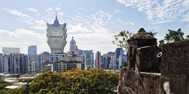 HUAWEI Mate 30 Pro Showcase : Streets of Macau!