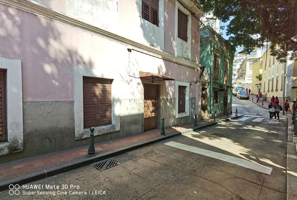 HUAWEI Mate 30 Pro - Rua da Barra, Macau 01