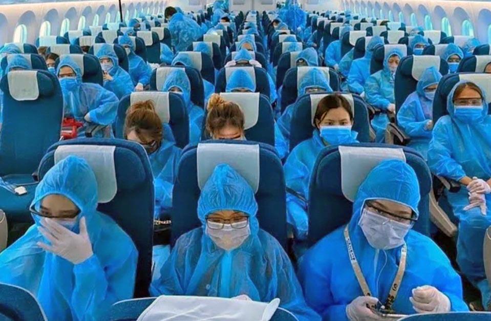 Vietnam Airlines COVID-19 PPE Suits 01