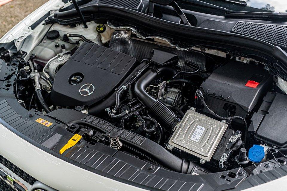 2020 Mercedes-Benz GLA 200 engine
